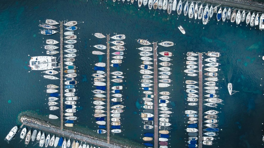 Le port de Genève rempli de bateaux